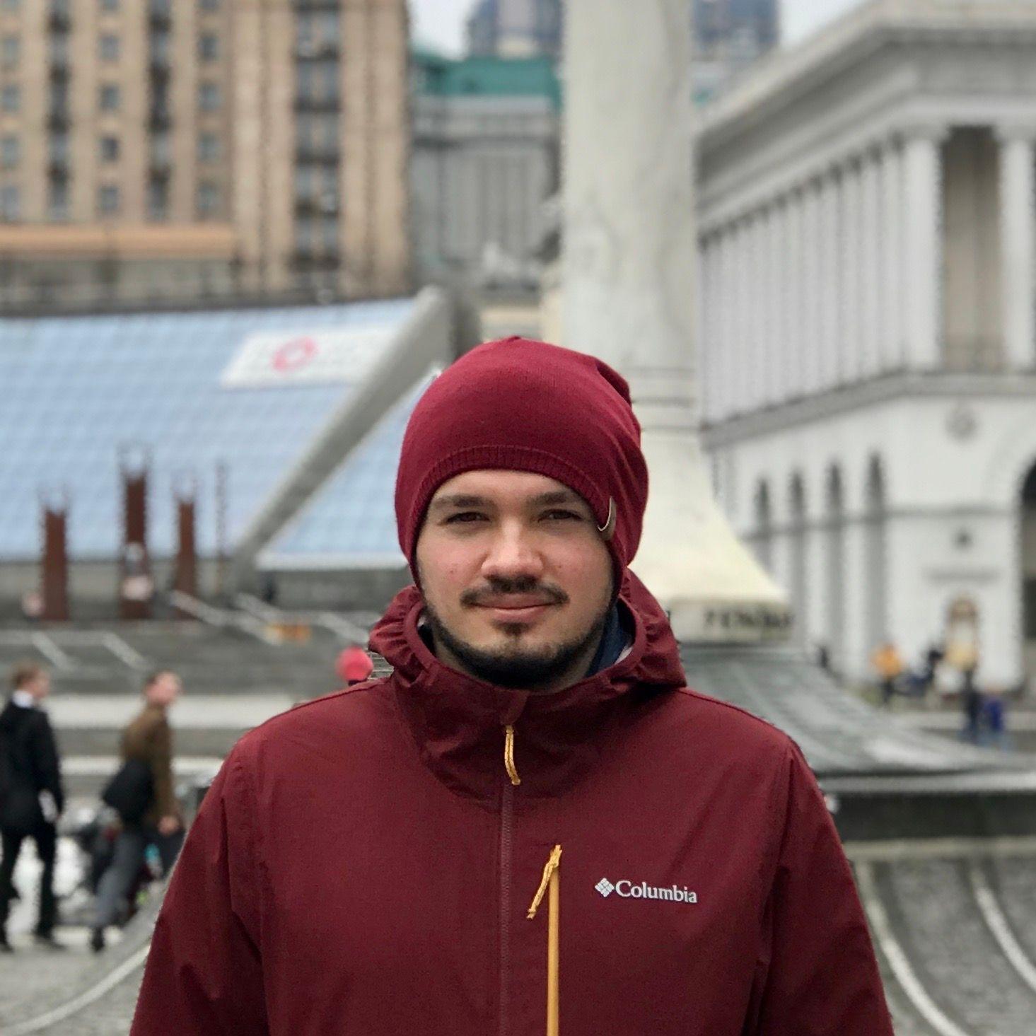 Эдуард Ларюшкин